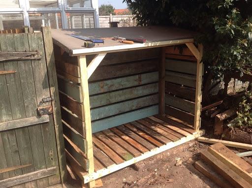 Garden shelter construction